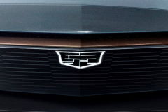 Cadillac-EV-Concept-SUV-2019-North-American-Intenational-Auto-Show-Presentation-Cadillac-Lyriq-005-illuminating-logo