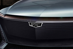 Cadillac-EV-Concept-SUV-2019-North-American-Intenational-Auto-Show-Presentation-Cadillac-Lyriq-006-illuminating-logo