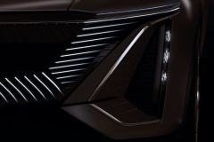 Cadillac-Lyriq-Show-Car-Teaser-June-2020-003-front-fascia-LED-grille-headlight-vertical-signature-DRL
