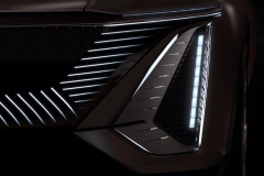 Cadillac-Lyriq-Show-Car-Teaser-June-2020-006-front-fascia-LED-grille-headlight-vertical-signature-DRL
