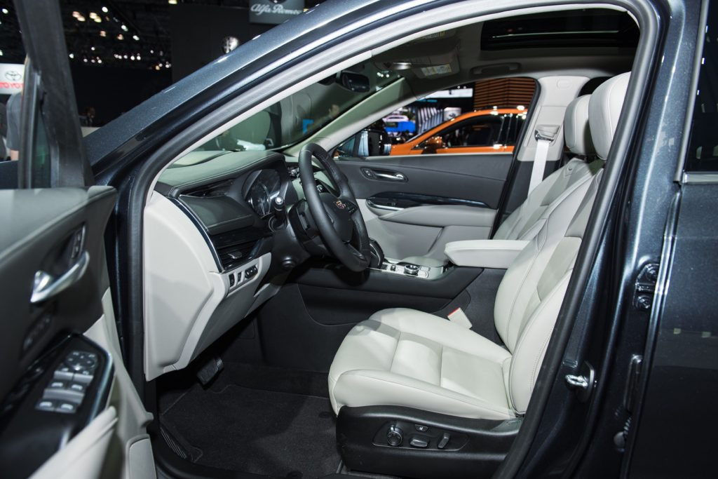 Cadillac Xt4 Vs Cadillac Xt5 Dimensional Comparison
