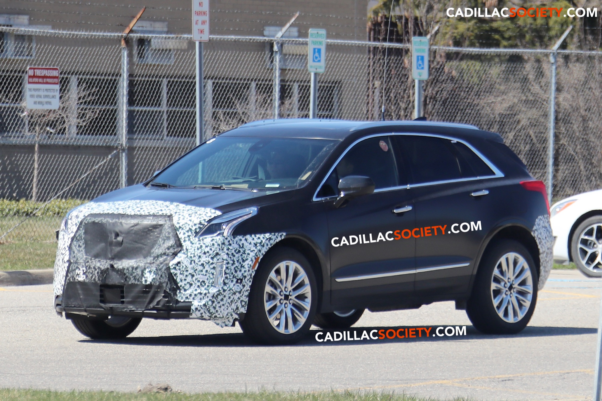 Spy Pictures 2020 Cadillac Xt5 Refresh Caught Testing