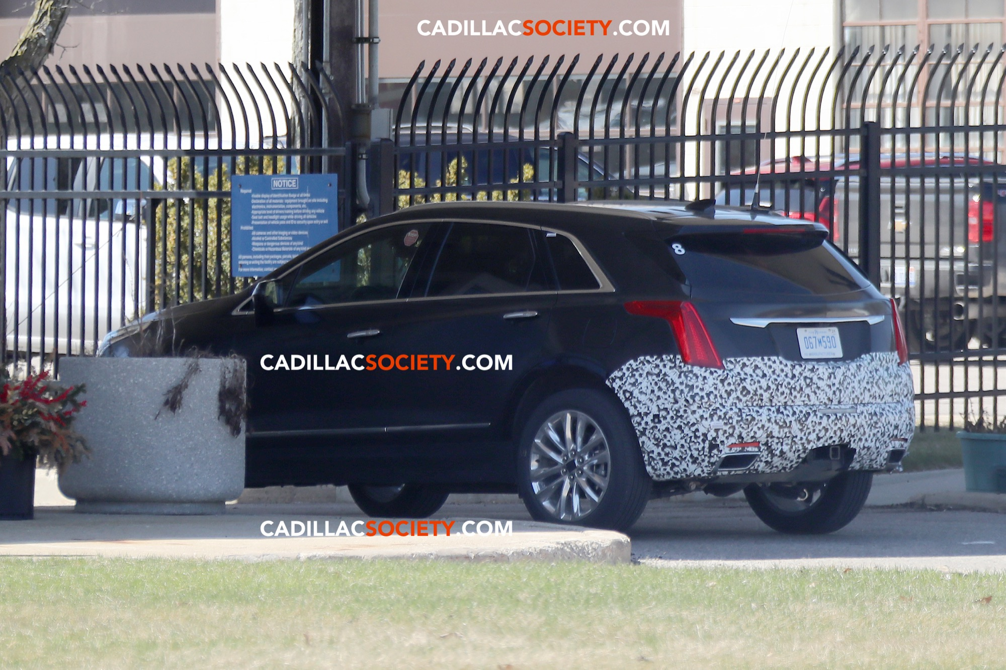 Spy Pictures: 5 Cadillac XT5 Refresh Caught Testing