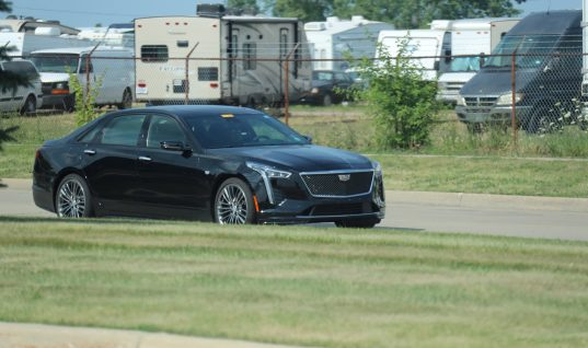 2019 Cadillac CT6 Sport Takes A Stroll In The Sun: Image Gallery