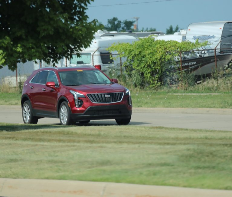 Image Gallery: Base Model 2019 Cadillac XT4 In Luxury Trim