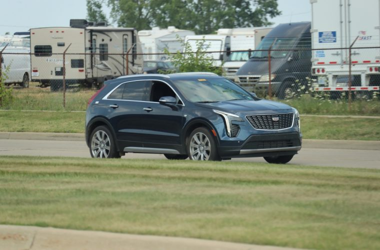 2019 Cadillac XT4 Premium Luxury Trim Spotted Going For A Drive: Image Gallery