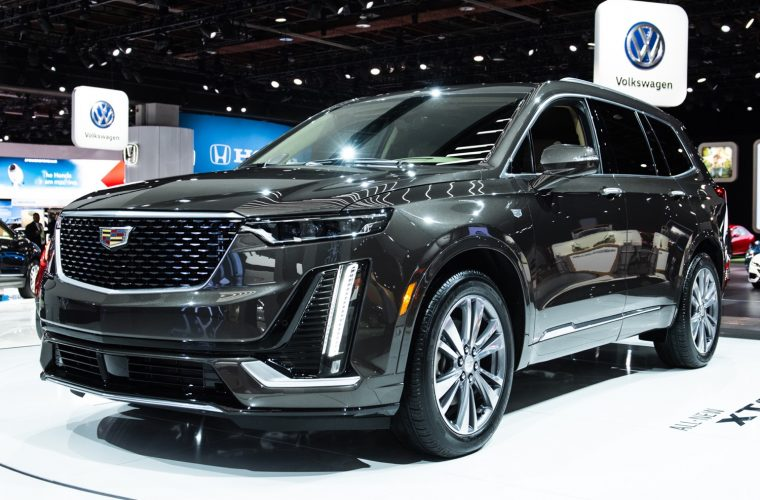 Cadillac XT6 Premium Luxury vs. XT6 Sport: Visual Comparison
