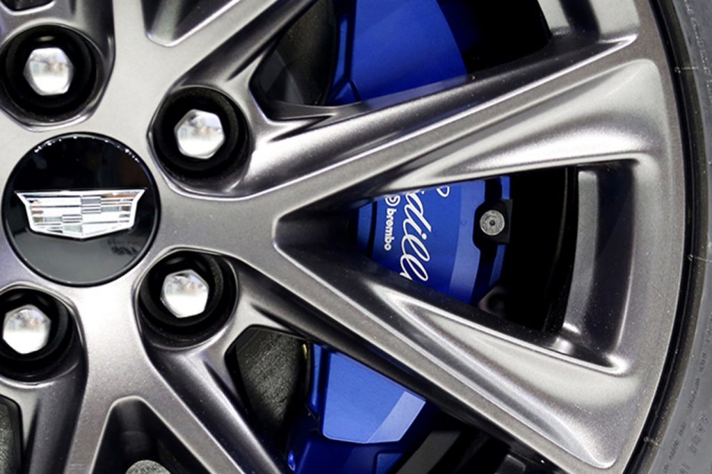 Brembo brakes with blue-painted front calipers and Cadillac branding on 2020 CT5 Sport will now feature V-Series branding for 2021 CT5 Sport. The Brembo brakes will also become optional for the 2021 CT5 Sport.