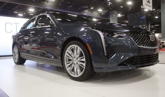 Cadillac CT4 Premium Luxury: Live Photo Gallery