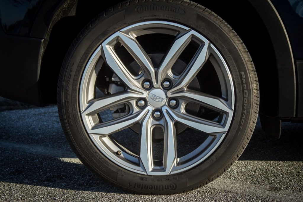 Cadillac XT4 Sport with unpainted caliper