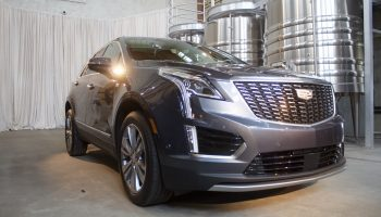 2020 Cadillac XT5 Improves Gauge Cluster Design