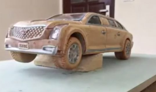 Watch This Cadillac Presidential Limo Wood Carving Come To Life: Video