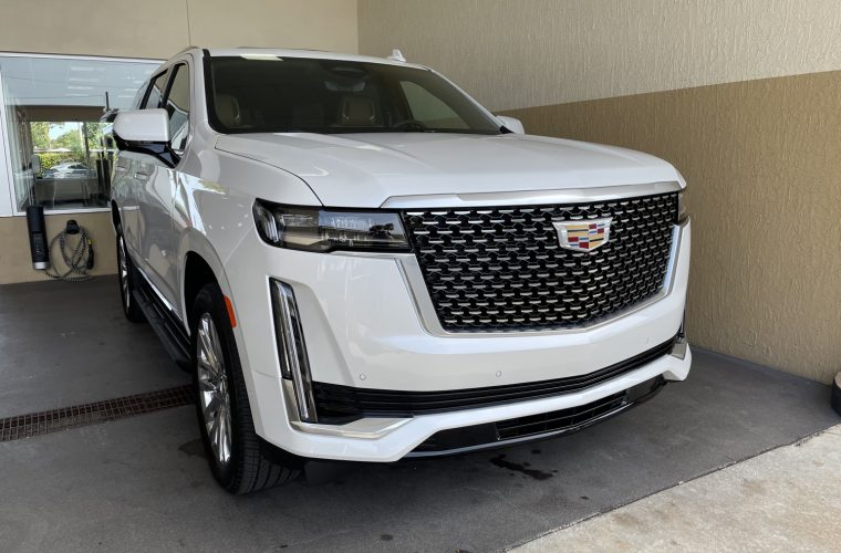 First Look At The 2021 Cadillac Escalade Diesel Start-Up, Rev: Video