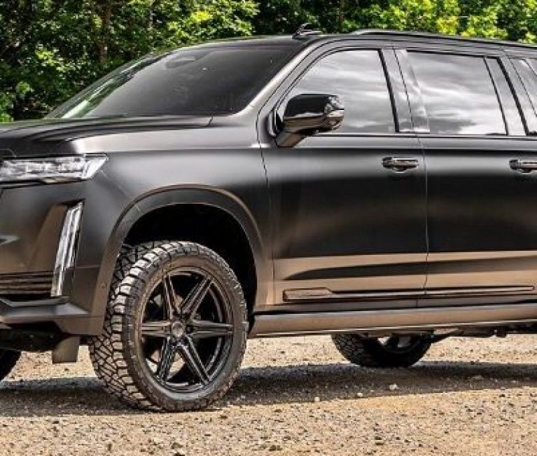 Check Out This Custom 2021 Cadillac Escalade On Vossen HF6-2 Wheels
